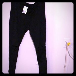 Leggings with knee cut outs